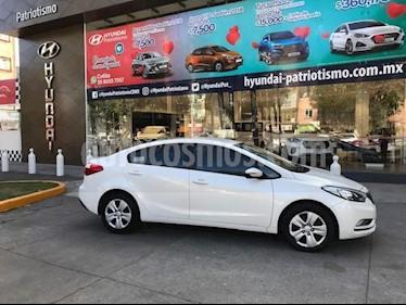 Foto venta Auto usado Kia Forte LX (2016) color Blanco precio $189,000