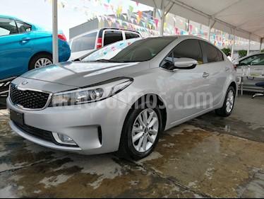 Foto venta Auto usado Kia Forte LX (2018) color Plata precio $215,000