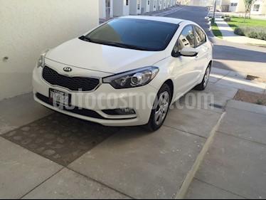 Foto venta Auto usado Kia Forte LX (2016) color Blanco Perla precio $170,000