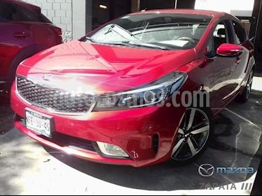 Kia Forte HB SX usado (2018) color Rojo precio $250,000