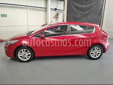 Kia Forte HB EX Aut usado (2018) color Rojo Carmesin precio $226,000