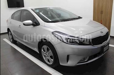 Kia Forte LX usado (2017) color Plata precio $219,000