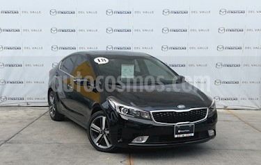 Foto Kia Forte SX Aut usado (2018) color Negro precio $285,000