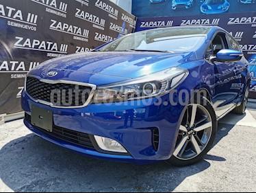 Kia Forte SX Aut usado (2018) color Azul Celeste precio $235,000