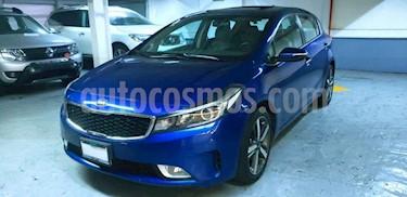 foto Kia Forte HB SX Aut usado (2018) color Azul precio $245,000