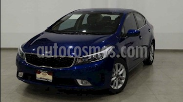foto Kia Forte LX usado (2018) color Azul precio $248,000
