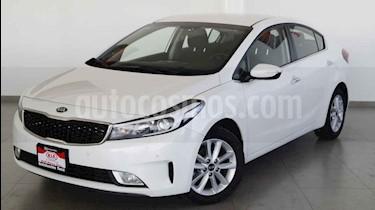 Kia Forte EX usado (2017) color Blanco precio $224,000