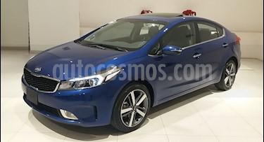 Kia Forte SX Aut usado (2018) color Azul precio $275,000