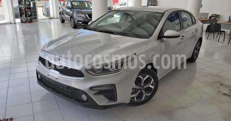 Kia Forte LX Aut usado (2020) color Plata precio $284,900
