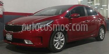 Kia Forte EX usado (2018) color Rojo precio $258,000