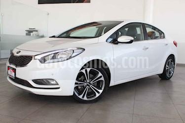 Kia Forte SX Aut usado (2016) color Blanco precio $227,000