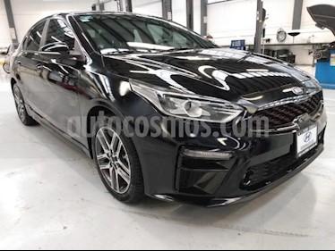 Kia Forte 4P GT LINE 2.0L TA A/AC. AUT. PIEL CAMARA REVERSA usado (2020) color Negro precio $335,000