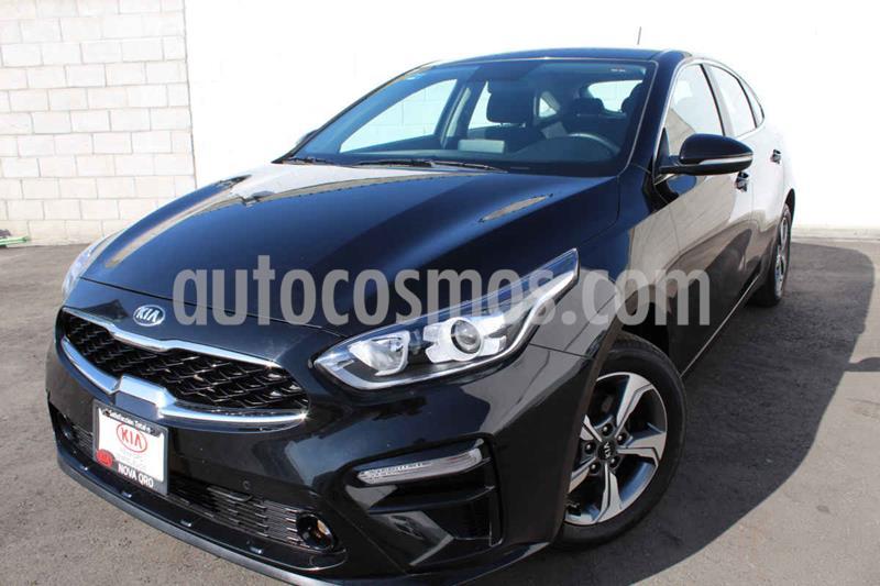 Kia Forte HB EX Aut usado (2020) color Negro precio $323,000