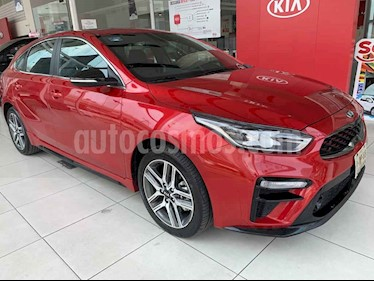 Kia Forte HB GT usado (2019) color Rojo precio $395,000