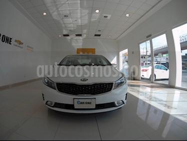 Kia Forte LX usado (2017) color Blanco precio $196,000