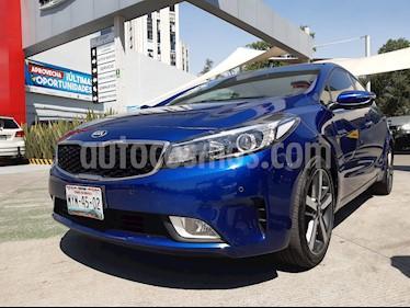 Kia Forte SX Aut usado (2017) color Azul Celeste precio $243,000