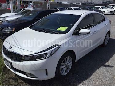 Kia Forte EX usado (2018) color Blanco precio $265,000