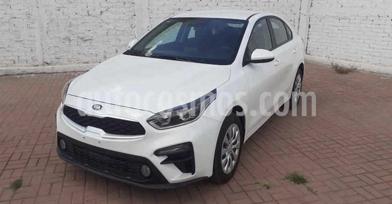 Kia Forte LX Aut usado (2020) color Blanco precio $249,900
