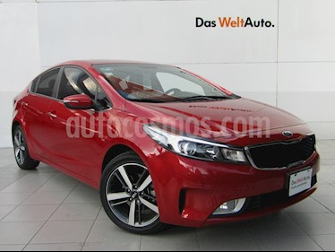 Kia Forte SX Aut usado (2017) color Rojo precio $239,000