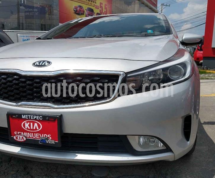 Kia Forte LX Aut usado (2017) color Plata precio $169,900
