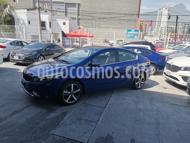 Kia Forte SX Aut usado (2017) color Azul precio $250,000