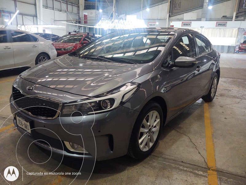 Kia Forte EX Aut usado (2017) color Gris precio $190,000