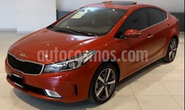 Kia Forte SX Aut usado (2018) color Rojo precio $259,000