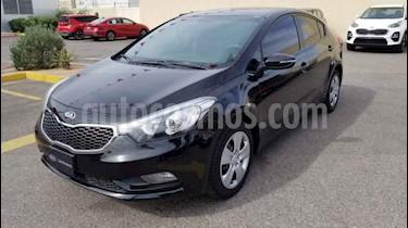Kia Forte LX usado (2016) color Negro precio $190,000