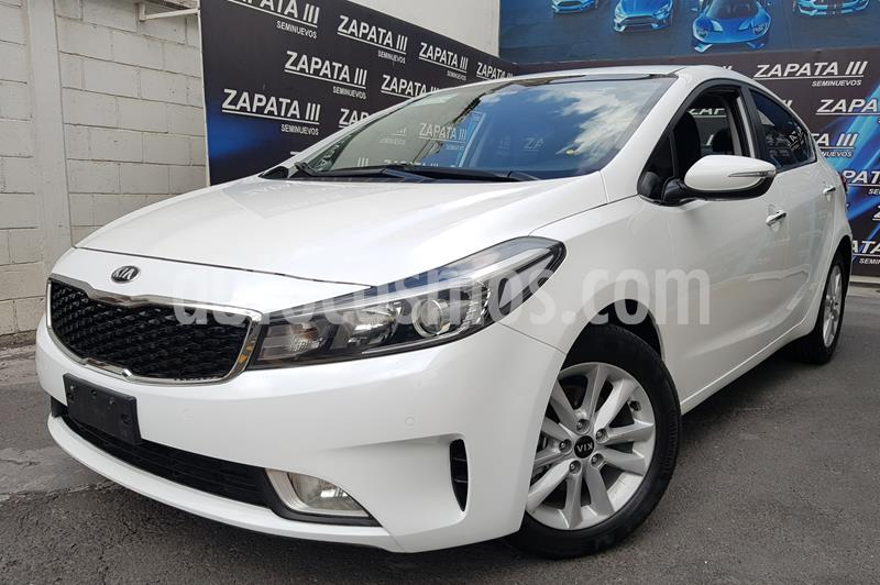 Kia Forte EX usado (2018) color Blanco precio $220,000