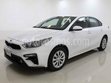 Kia Forte L Aut usado (2019) color Blanco precio $219,000