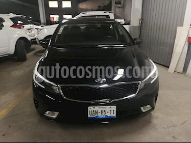 foto Kia Forte LX usado (2017) color Negro precio $199,900