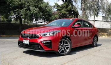 Foto Kia Forte 4p EX Premium L4/2.0 Aut usado (2019) color Rojo precio $315,000