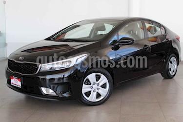 Kia Forte LX Aut usado (2018) color Negro precio $235,000