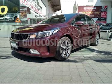 Foto Kia Forte SX Aut usado (2018) color Rojo precio $289,000