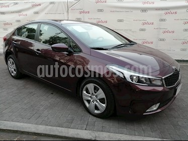 Kia Forte LX Aut usado (2017) color Rojo Carmesin precio $179,000