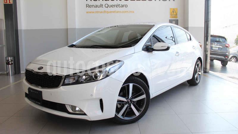 Kia Forte EX Aut usado (2018) color Blanco precio $275,000