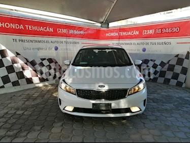Kia Forte EX Aut usado (2018) color Blanco Perla precio $245,000