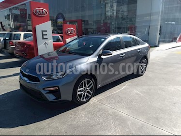 Kia Forte EX Aut usado (2019) color Gris precio $309,900