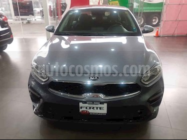 Kia Forte EX Aut usado (2019) color Gris precio $284,000