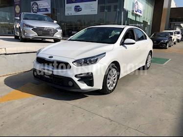 Kia Forte L Aut usado (2019) color Blanco precio $239,000