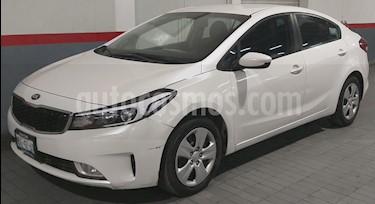 Kia Forte LX usado (2017) color Blanco precio $199,000