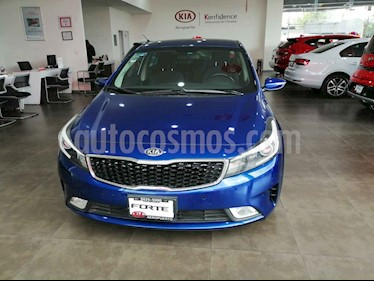 Kia Forte EX Aut usado (2017) color Azul precio $219,000