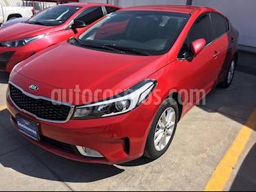 Kia Forte EX usado (2018) color Rojo precio $219,000