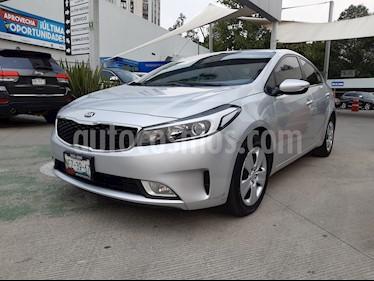 Kia Forte LX usado (2018) color Plata precio $208,000