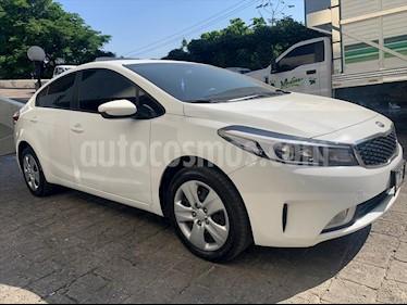 Kia Forte LX usado (2017) color Blanco precio $198,000