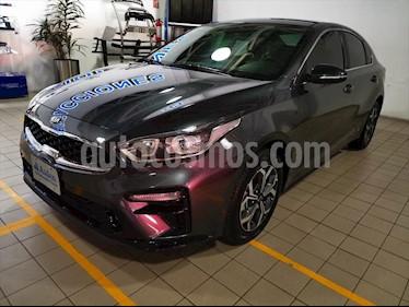 Kia Forte EX Aut usado (2019) color Gris precio $289,000