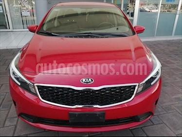 Kia Forte L usado (2018) color Rojo precio $210,000