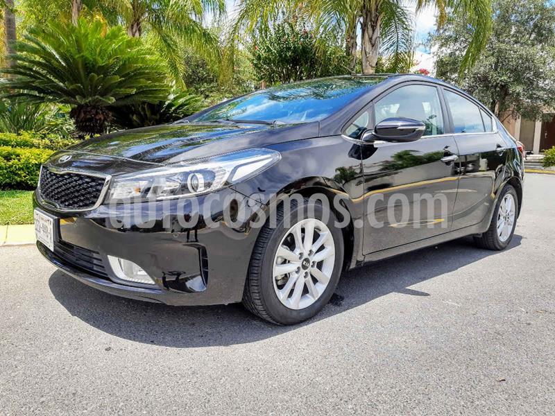 Kia Forte EX Aut usado (2018) color Negro precio $240,000