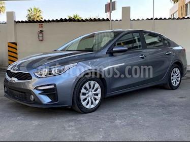 Kia Forte EX usado (2020) color Gris precio $263,900