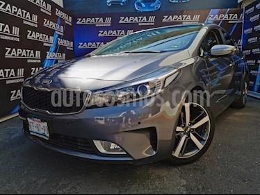 Kia Forte SX Aut usado (2017) color Gris Metalico precio $260,000